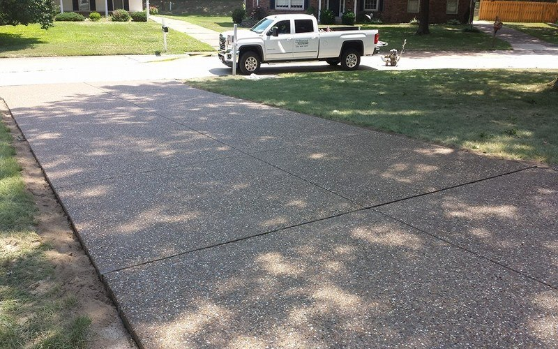 exposed aggregate concrete driveway (12)