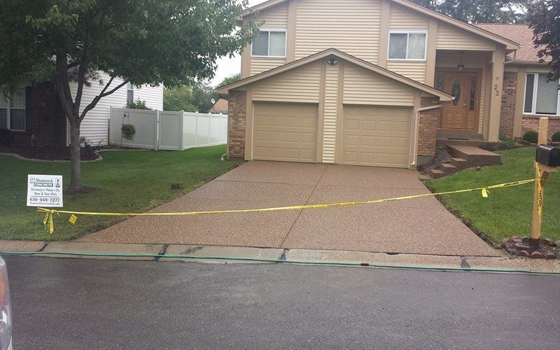 exposed aggregate concrete driveway (13)