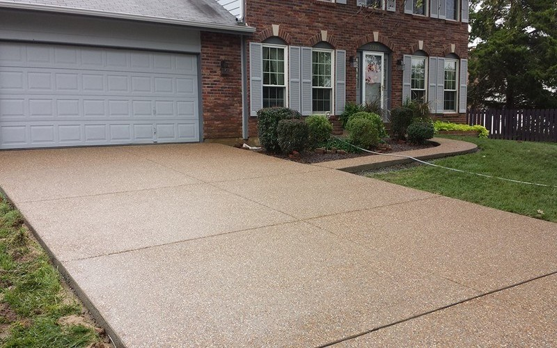 exposed aggregate concrete driveway (14)