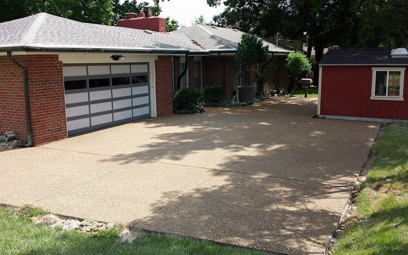exposed aggregate concrete driveway (20)