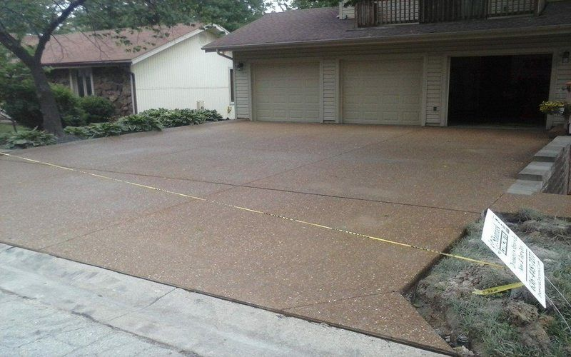exposed aggregate concrete driveway (28)