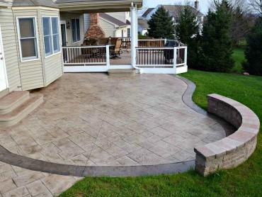 Circular Decorative Concrete Patio